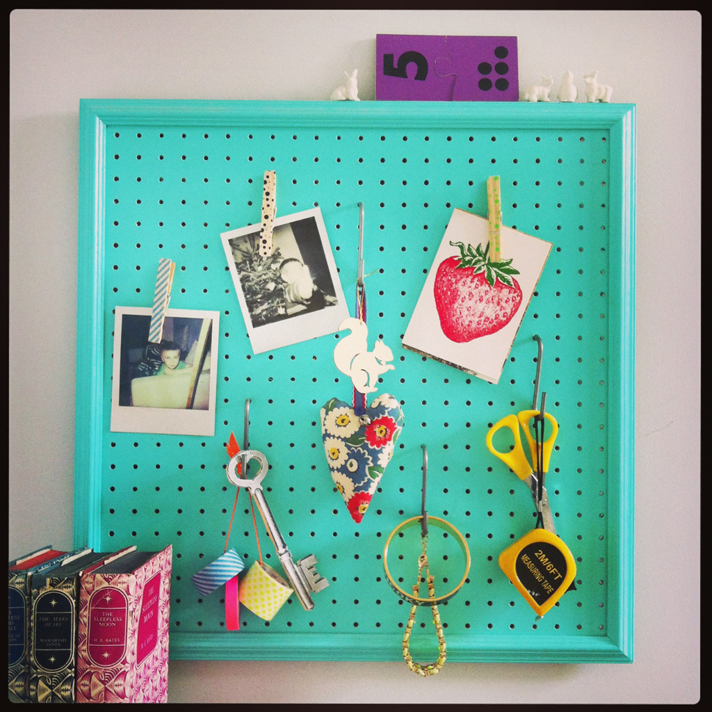 make picture frame pegboard sewyeah. Black Bedroom Furniture Sets. Home Design Ideas